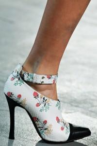 модная обувь осень 2012 с принтами Derek Lam