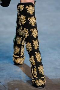 модные сапожки 2012-2013 с вышивкой