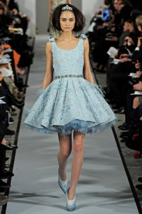 синее платье Oscar de la Renta 2012-2013