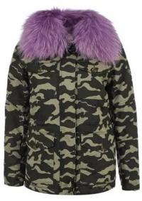 куртка камуфляжной расцветки с мехом
