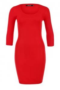 красное вязаное платье сезона 2013-2014