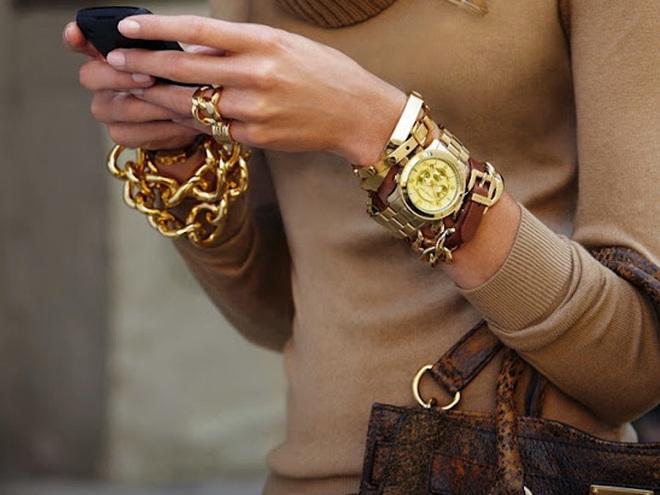 Модные женские наручные часы