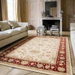 Шерстяной ковёр в интерьере комнаты