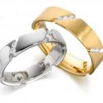 Одинаковые обручальные кольца для жениха и невесты – признак любви