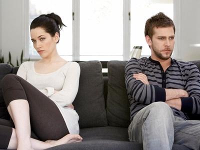 Что делать если мужчина игнорирует женщину