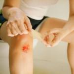 Ушиб колена при падении: как лечить?