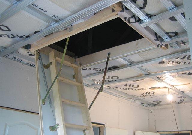 Как установить чердачную лестницу