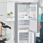 Кому доверить ремонт холодильника?