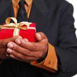 Когда можно дарить дорогие подарки?