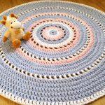 Как пользоваться схемами вязания ковриков крючком?