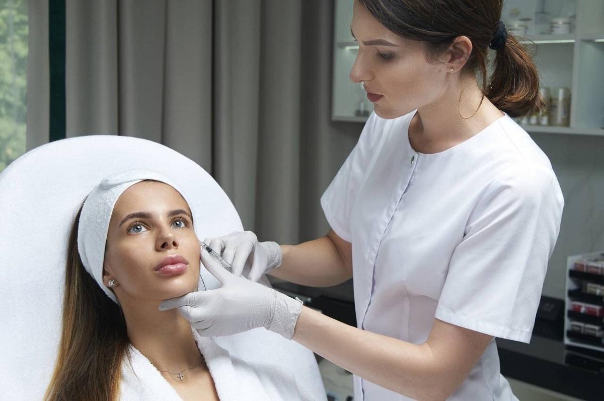 Какие процедуры выполняют в клиниках эстетической медицины?
